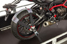 Зажим заднего колеса мотоцикла